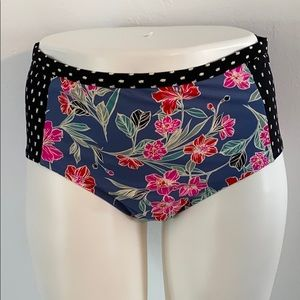 3X 24W-26W Swim bottoms, Flowers /polka dots-Cute